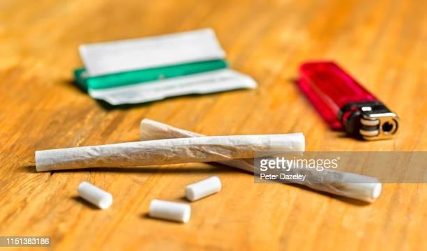 marijuana spliff - addiction stock pictures, royalty-free photos & images