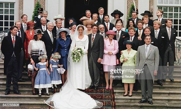 Marilene and Maurits Van Vollenhoven pose with all their family