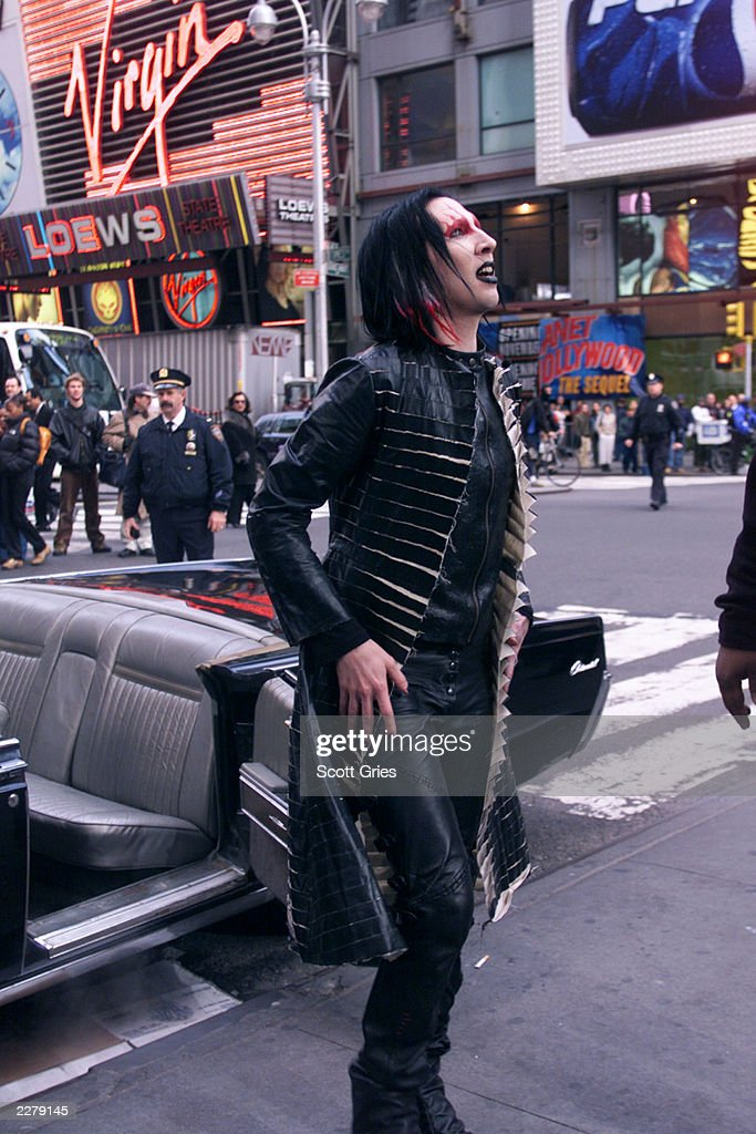 marilyn manson arrives at the mtv studios in new york for an episode news photo getty images. Black Bedroom Furniture Sets. Home Design Ideas