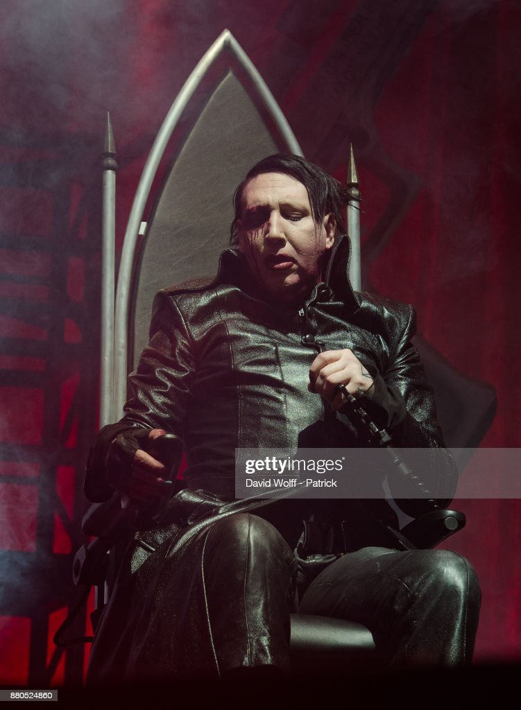Marilyn Manson performs at AccorHotels Arena on November 27, 2017 in Paris, France.