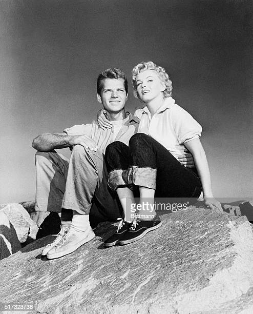 Marilyn Monroe and Keith Andes as Joe Doyle and Peggy in Monterey for the filming of Clash by Night