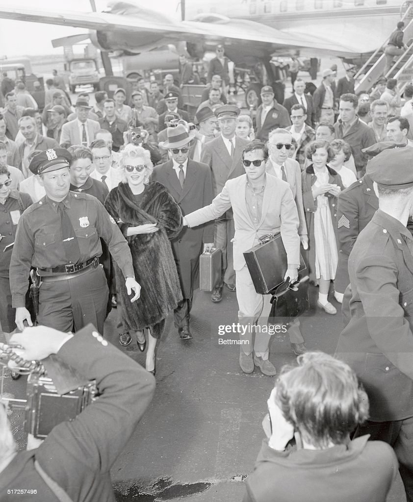 Marilyn Monroe Arriving At Idlewild Airport In New York City In The
