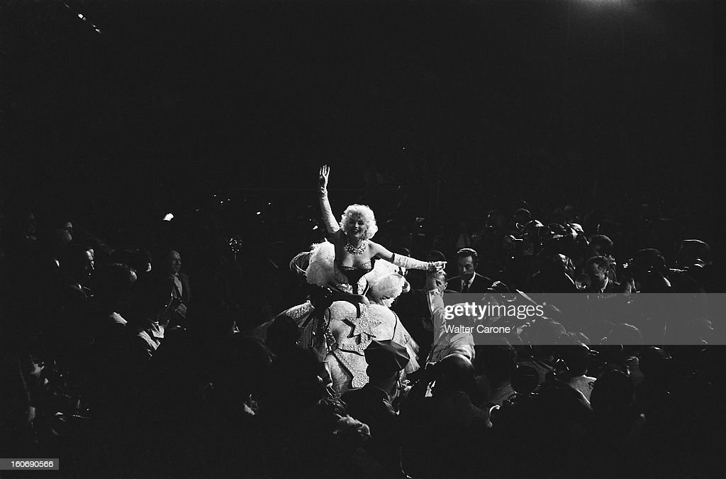 Marilyn Monroe At Barnum Circus : News Photo