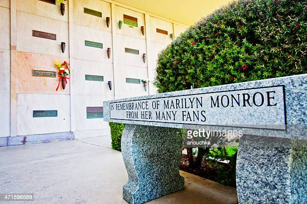 marilyn monroe grave,  los angeles - westwood neighborhood los angeles stock pictures, royalty-free photos & images