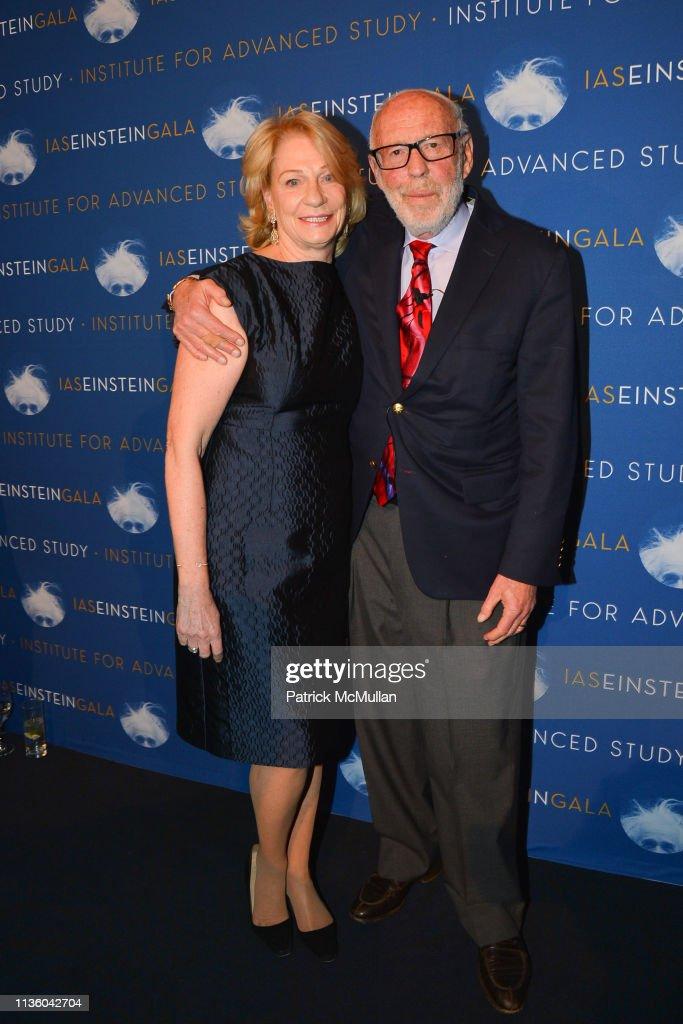 IAS Einstein Gala honoring Jim Simons : News Photo