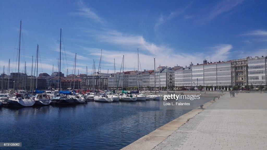 Marina. A Coruña cityscape : Foto de stock