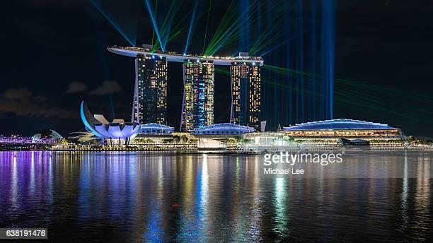 marina bay laser light show - singapore - marina bay sands skypark stock pictures, royalty-free photos & images