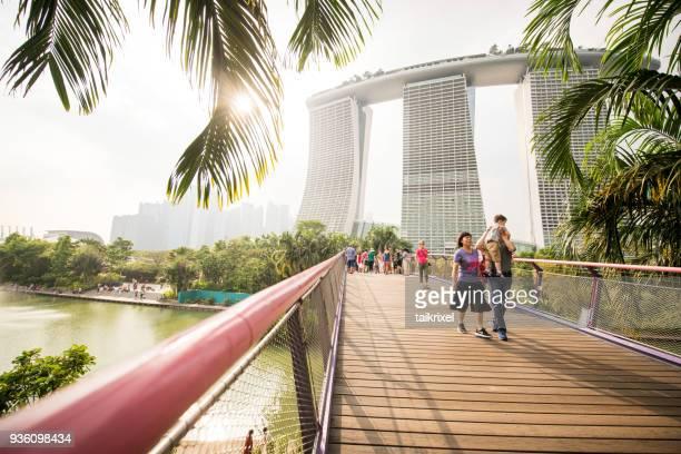 marina bay sands hotel, singapur - marina bay singapur stock-fotos und bilder