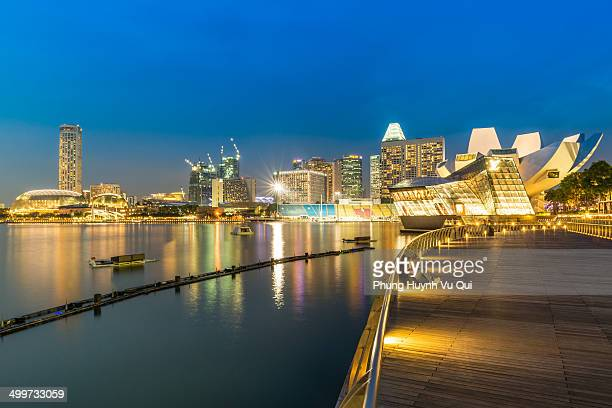 CONTENT] Marina Bay Sands is an integrated resort fronting Marina Bay in Singapore Developed by Las Vegas Sands it is the world's most expensive...