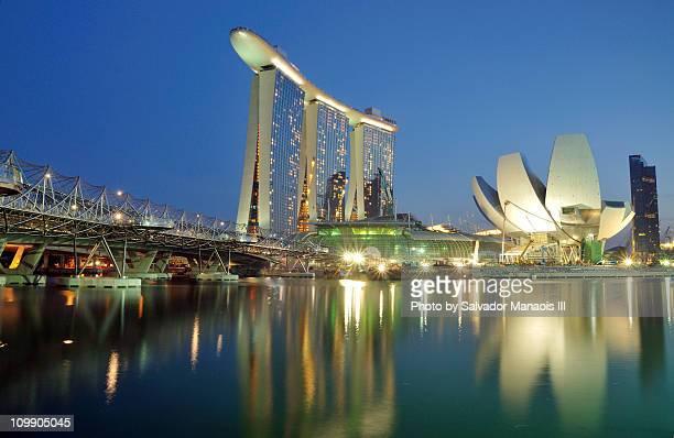 marina bay singapore: urban landscape - marina bay singapur stock-fotos und bilder