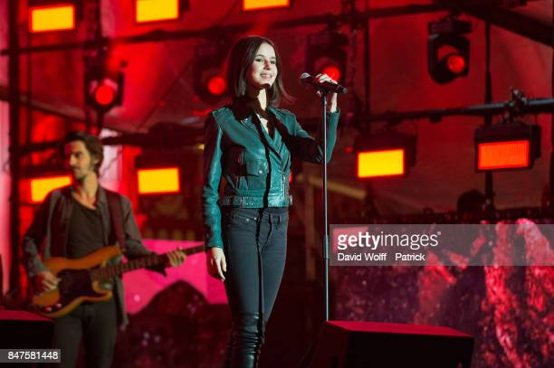 Marina Kaye performs during Paris Olympic Games celebration at Mairie de Paris on September 15, 2017 in Paris, France.
