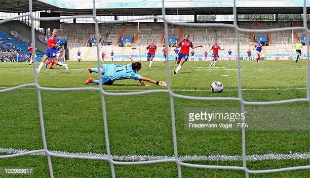 Marina Makanza of France scoring the first goal during the FIFA U20 Women's World Cup Group A match between Costa Rica and France at the FIFA U20...