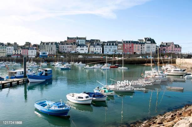 marina of douarnenez, finistère department, france - fishing village stock pictures, royalty-free photos & images