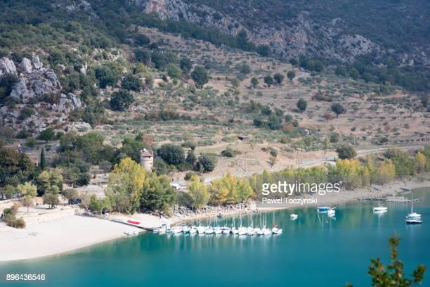 marina on the sainte-croix-du-verdon lake, gorges du verdon, provence, france - croix de guerre stock pictures, royalty-free photos & images