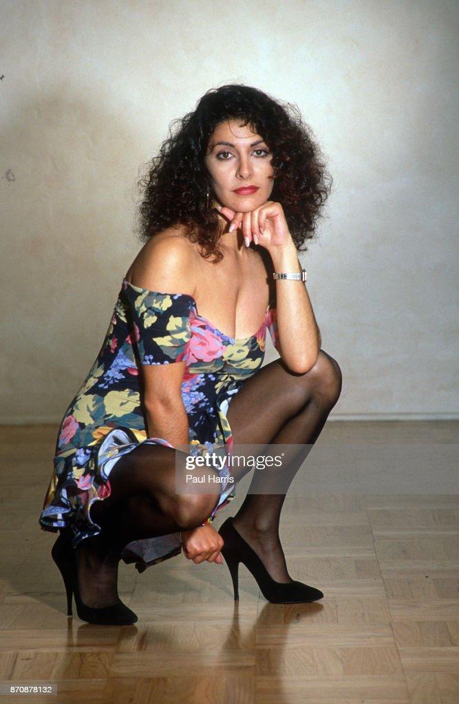 Marina sirtis counselor deanna troi star trek - 1 7