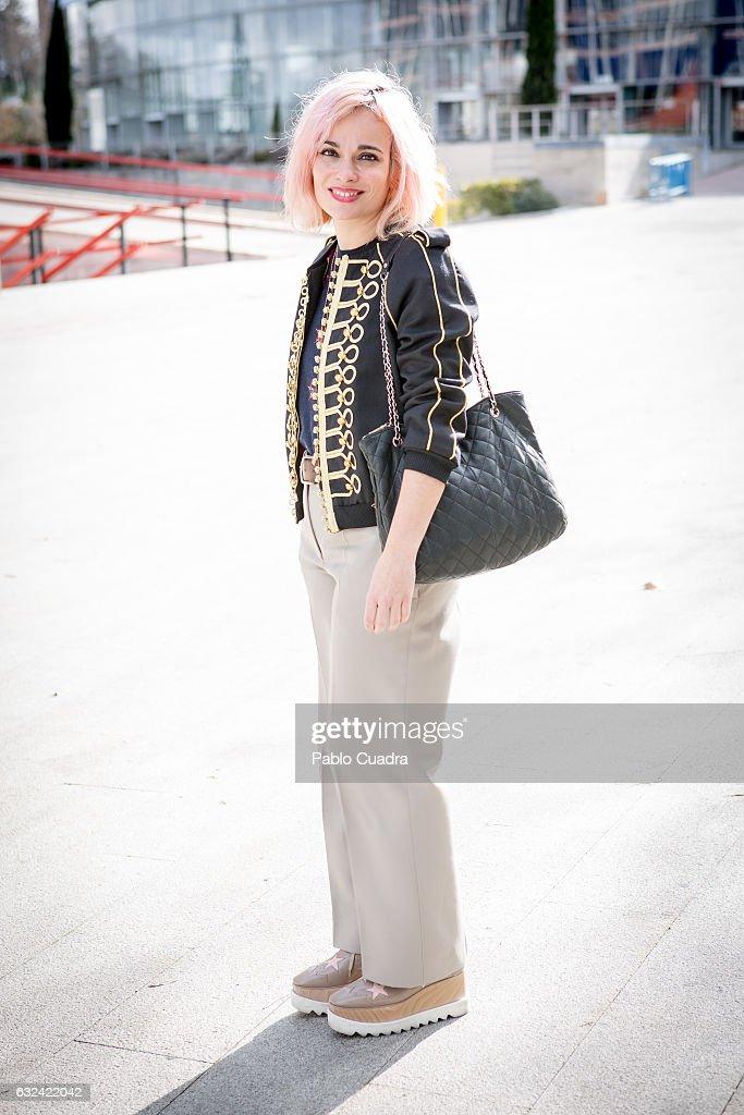 watch 95090 63ac2 Marina wears Stella McCartney shoes Chloe trousers, Bimba y ...