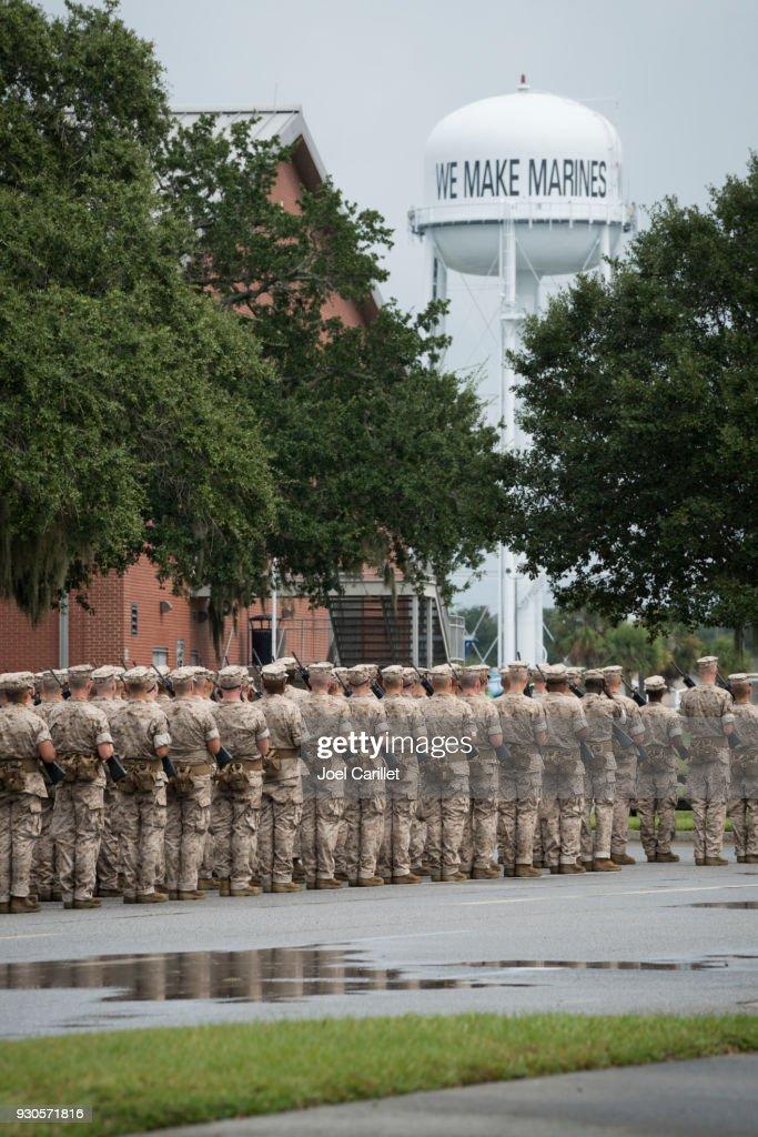 Marine Corps basic training at Parris Island, South Carolina : Stock Photo