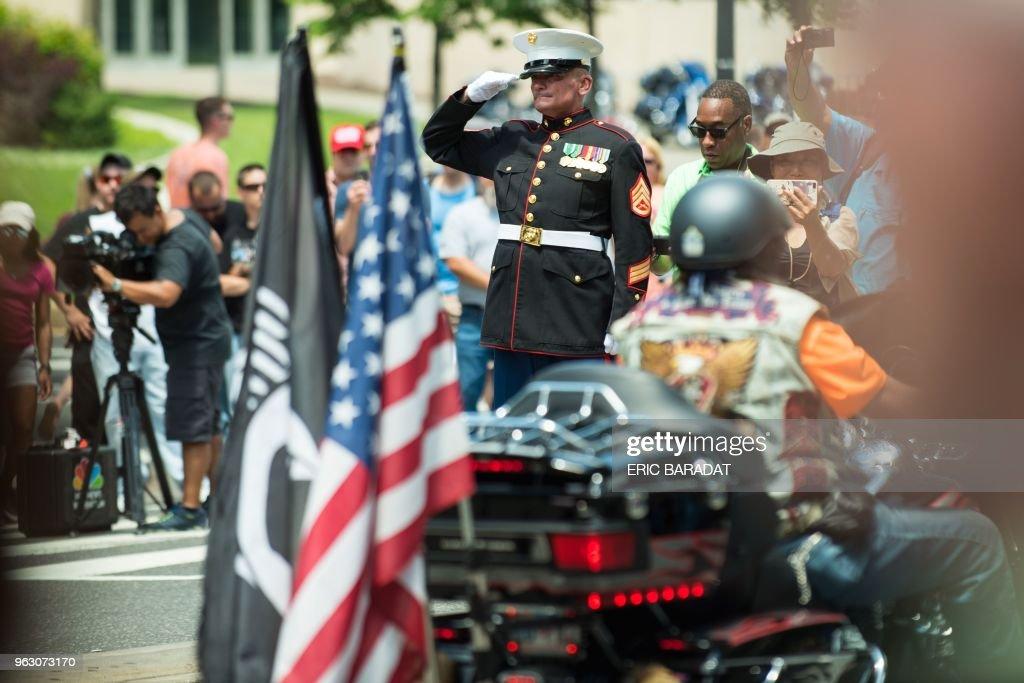 DOUNIAMAG-US-MILITARY-VETERANS-PARADE : News Photo