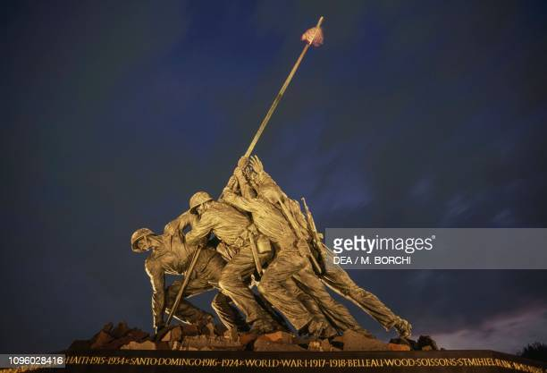 Marine Corps War Memorial also known as Iwo Jima Memorial by Felix Weihs de Weldon Arlington Ridge Park Virginia United States of America 20th century