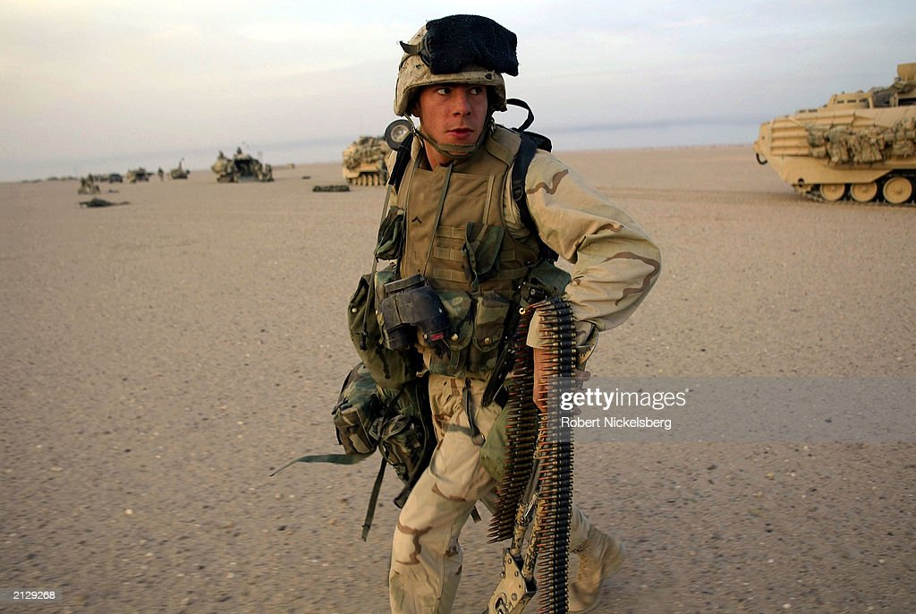 U.S. Marine Sets Up Security Perimeter : News Photo