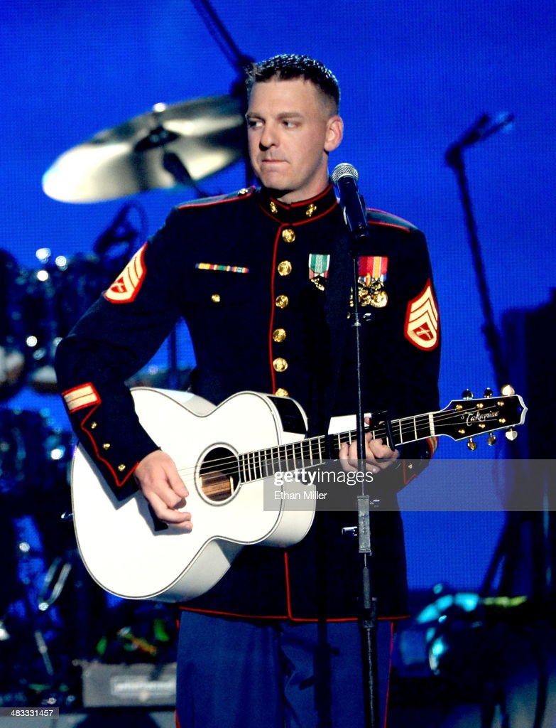Marine Staff Sgt Brandon Valentine Performs Onstage During ACM Presents An  AllStar Salute To The Troops