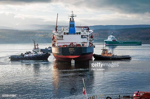 マリーヌ船舶です、バルクキャリアで、Kola ゲッケイジュます。