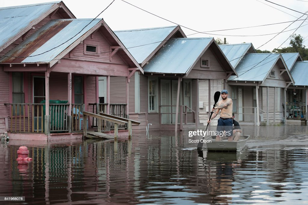 Southeast Texas Inundated After Harvey Makes Second Pass Over The Region : News Photo