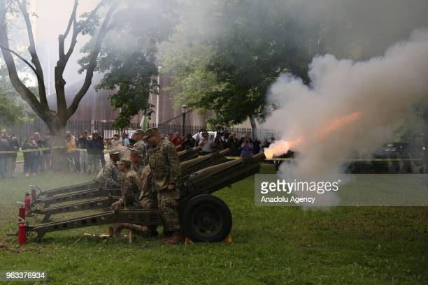 Marines fire 21 artillery shots honoring US soldiers who died in wars on Memorial Day in New York United States on May 28 2018