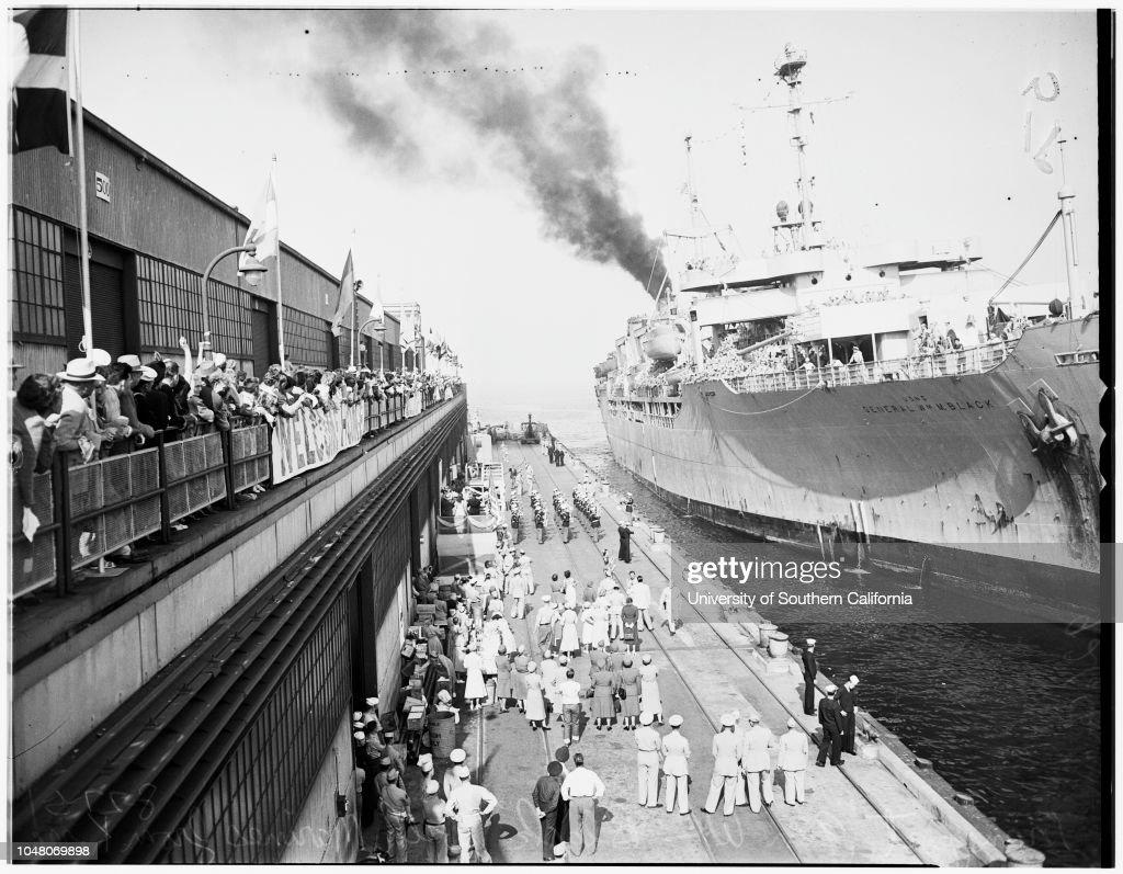 Marines return from Korea (San Diego), 1951 : News Photo