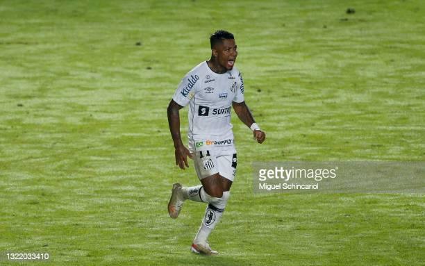 Marinho of Santos celebrates after scoring a second goal of his team during a match between Santos and Ceara as part of Brasileirao 2021 at Urbano...