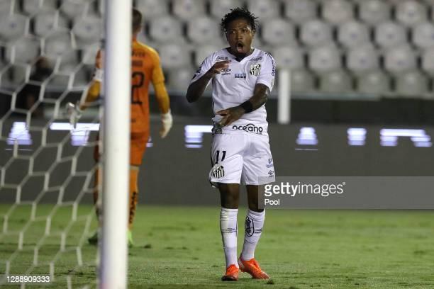 Marinho of Santos reacts during a round of sixteen second leg match of Copa CONMEBOL Libertadores between Santos and Liga Deportiva Universitaria at...