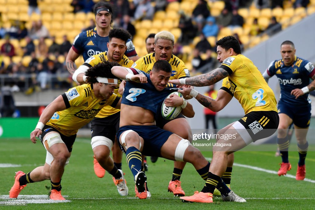 Super Rugby Aotearoa Rd 5 - Hurricanes v Highlanders : News Photo