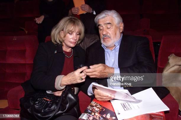 Mario Adorf Mit Ehefrau Monique Beim Pressetag Die Affäre Semmeling