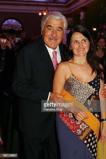 Mario Adorf Mit Tochter Stella Maria Beim 75 Geburtstag Von M Adorf Mit Der Premiere Der Tournee Da Capo Mario Im Prinzregententheater In München Am...