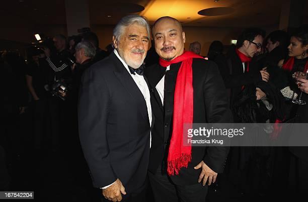 Mario Adorf Und Wang Quanan Bei Der Afterparty Zur Eröffnungsgala Der 60 Berlinale Im Moskau In Berlin