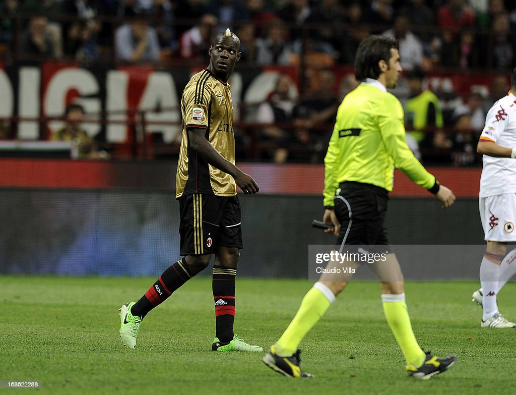 Mario Balotelli of AC Milan looks towards AS Roma fans during the Serie A match between AC Milan and AS Roma at San Siro Stadium on May 12, 2013 in Milan, Italy.