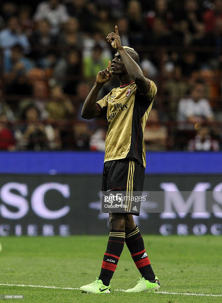 Mario Balotelli of AC Milan silences the fans of rome during the Serie A match between AC Milan and AS Roma at San Siro Stadium on May 12, 2013 in Milan, Italy.