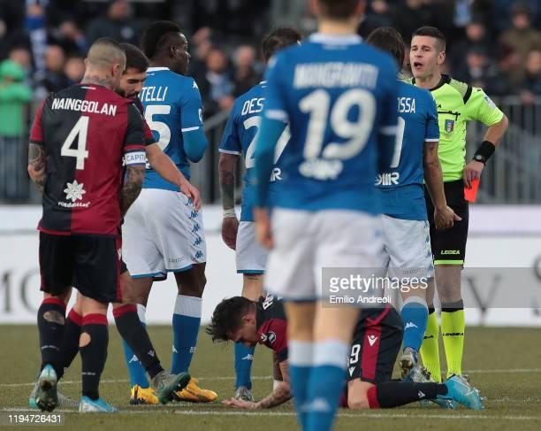 Mario Balotelli of Brescia Calcio reacts after receives a red card from referee Antonio Giua during the Serie A match between Brescia Calcio and...