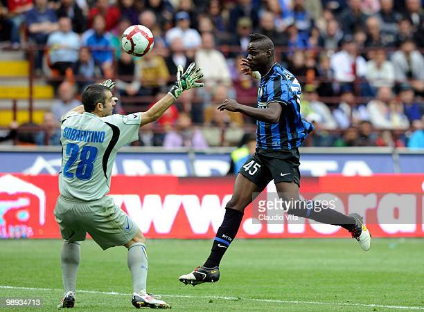 Mario Balotelli of FC Internazionale Milano scores past Chievo's goalkeeper Stefano Sorrentino during the Serie A match between FC Internazionale...