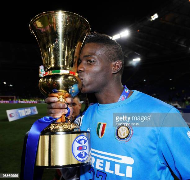 Mario Balotelli of Inter celebrates the victory and kisses the trophy after the Tim Cup final between FC Internazionale Milano and AS Roma at Stadio...
