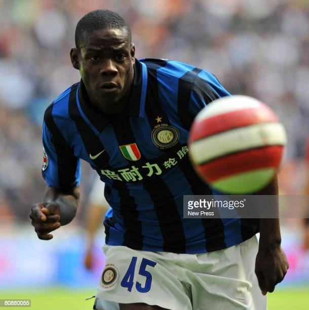 Mario Balotelli of Inter in action during the Serie A match between Inter and Cagliari at the Stadio Meazza San Siro on April 27 2008 in Milan Italy