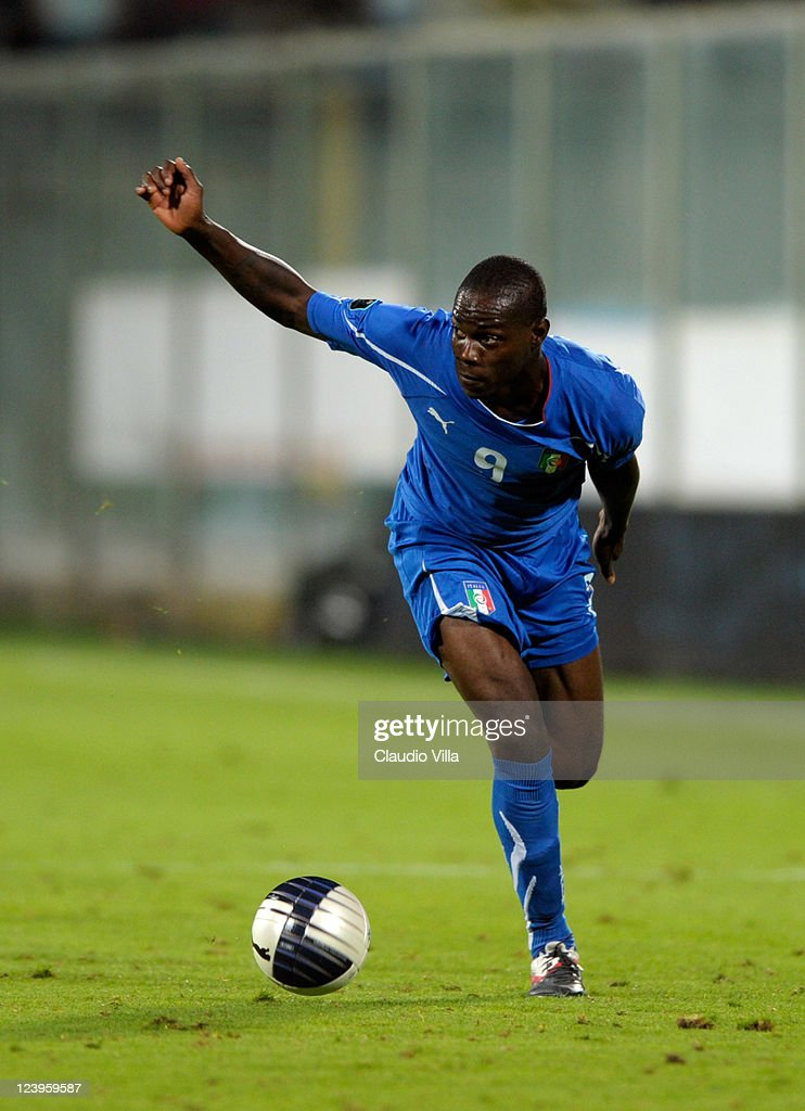 Mario Balotelli of Italy controls the ball during the EURO 2012 Qualifier match between Italy and Slovenia at Stadio Artemio Franchi on September 6, 2011 in Florence, Italy.