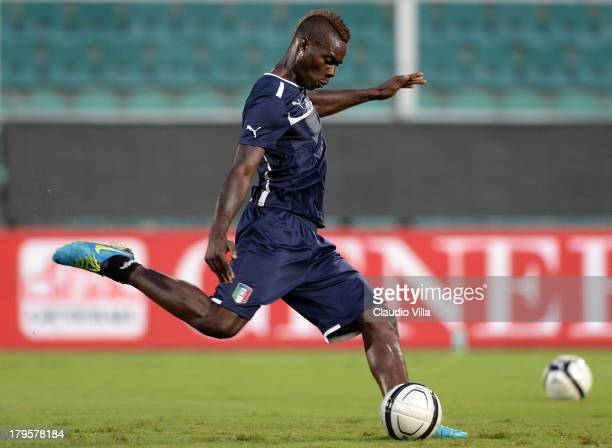 Mario Balotelli of Italy in action during a training session at Stadio Renzo Barbera on September 5 2013 in Palermo Italy