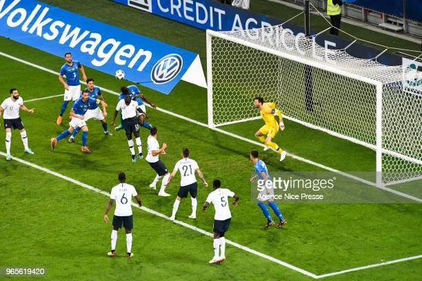 Mario Balotelli of Italy Ngolo Kante and Hugo Lloris of France during the International Friendly match between France and Italy at Allianz Riviera...