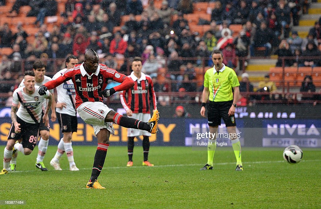 Mario Balotelli of Milan scores a penalty (1-0) during the Serie A match between AC Milan and US Citta di Palermo at San Siro Stadium on March 17, 2013 in Milan, Italy.