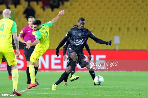 Mario Balotelli of Nice during the Ligue 1 match between Nantes and OGC Nice at Stade de la Beaujoire on December 10 2017 in Nantes