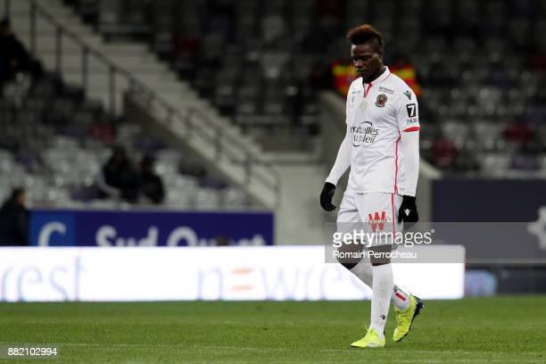 Mario Balotelli of Nice looks on during the Ligue 1 match between Toulouse and OGC Nice at Stadium Municipal on November 29 2017 in Toulouse