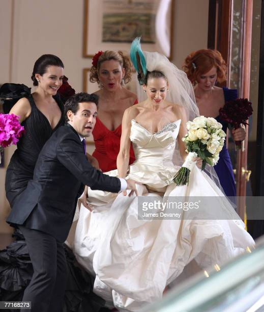 Mario Cantone Kristin Davis Kim Cattrall Sarah Jessica Parker and Cynthia Nixon on the set of Sex and the City The Movie on October 2 2007 in New...