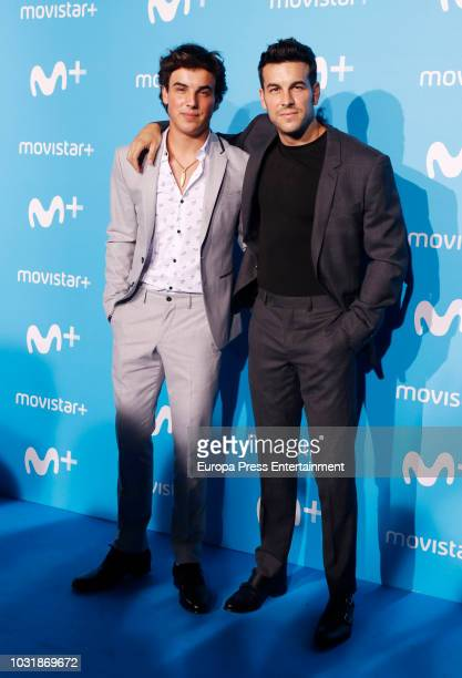 ¿Cuánto mide Óscar Casas? Mario-casas-and-oscar-casas-attend-upfront-movistar-blue-carpet-at-picture-id1031869672?s=612x612