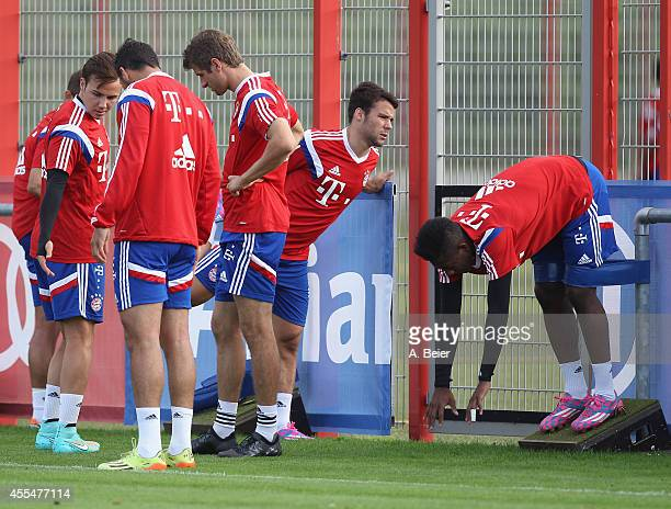 Mario Goetze Cladio Pizarro Thomas Mueller Juan Bernat and David Alaba of Bayern Muenchen warm up during a training session at the FC Bayern Muenchen...